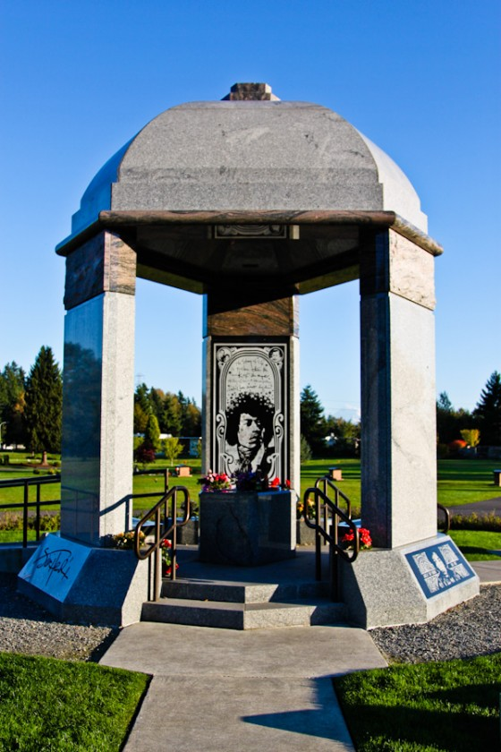 On the way home, stopped by Renton to pay our respects of the one and only Jimi Hendrix